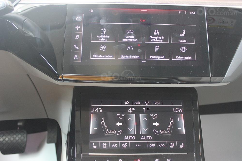 SUV điện Audi E-Tron chính thức cập bến showroom Audi Hồ Chí Minh 30