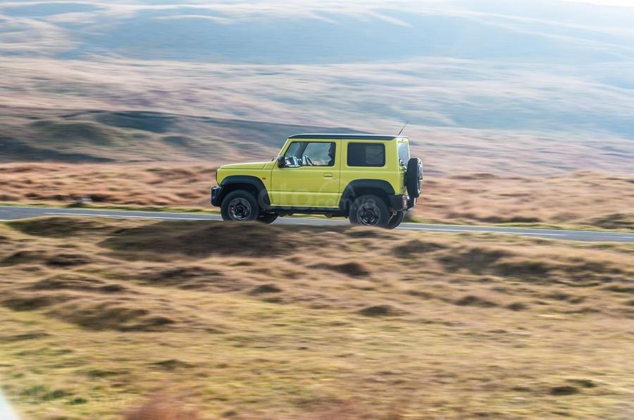 Đánh giá xe Suzuki Jimny 2020 về trang bị an toàn.