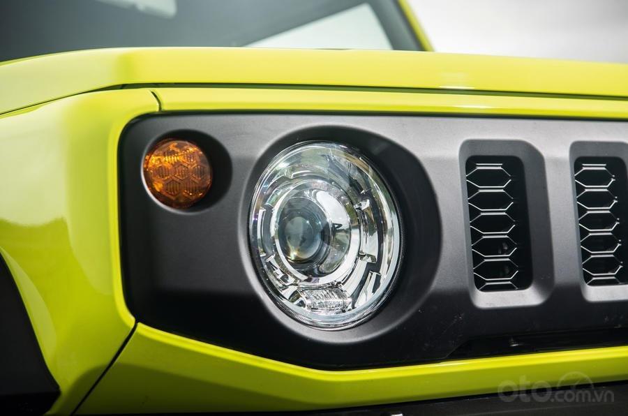 Suzuki Jimny 2020: Đèn pha