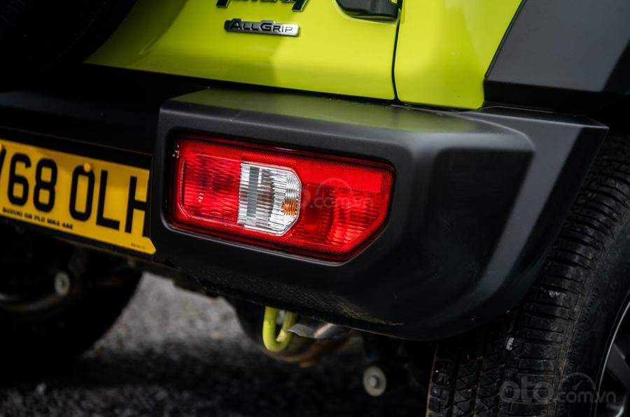 Suzuki Jimny 2020: đèn hậu