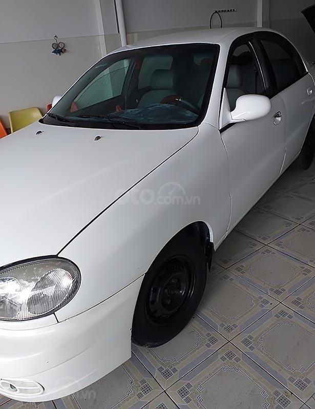 Cần bán gấp Daewoo Lanos đời 2002, màu trắng, xe nhập-1