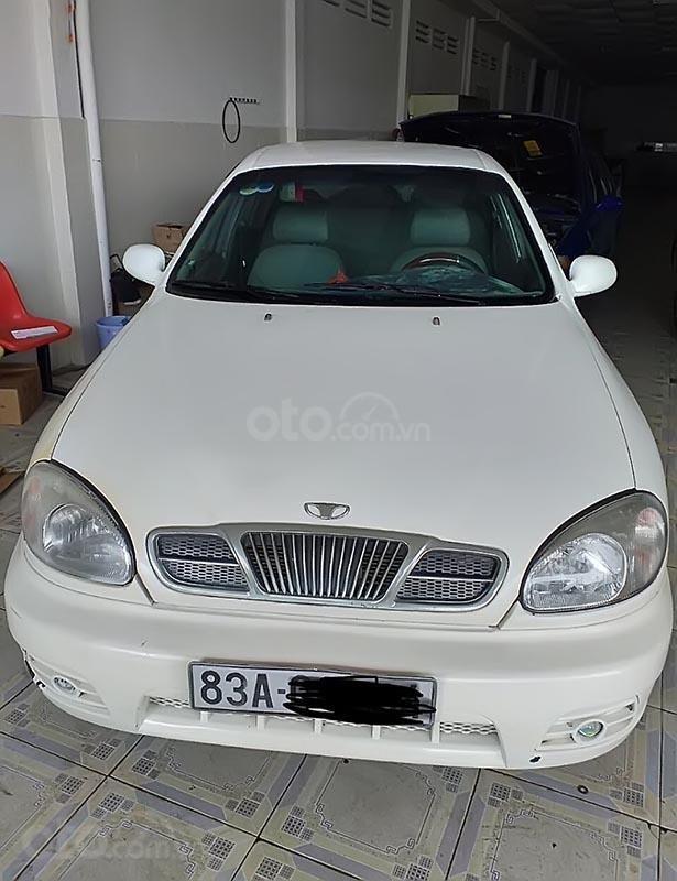 Cần bán gấp Daewoo Lanos đời 2002, màu trắng, xe nhập (1)
