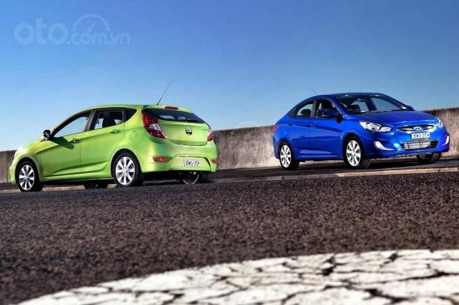 Hyundai Accent thế hệ thứ 4.