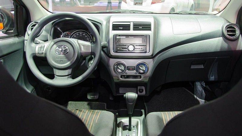 Khoang cabin Toyota Wigo 2019...