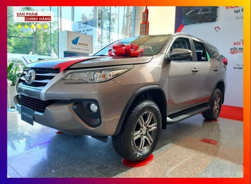 Bán Toyota Fortuner 2.4MT số sàn, máy dầu, 1 cầu (1)