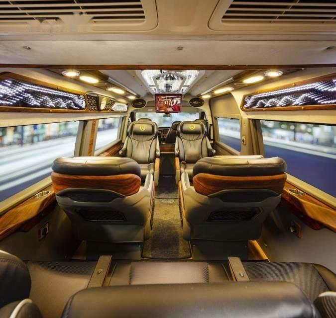 Bán Ford Transit Dcar X Plus 2019, màu bạc, mới 100% (4)