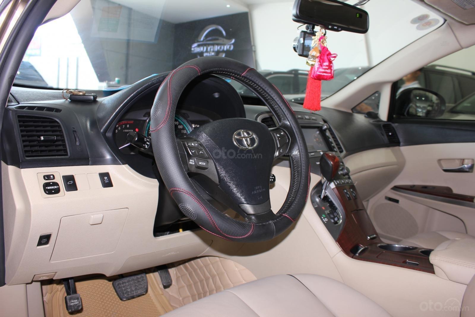 Bán ô tô Toyota Venza năm sản xuất 2011, màu nâu, nhập khẩu -2