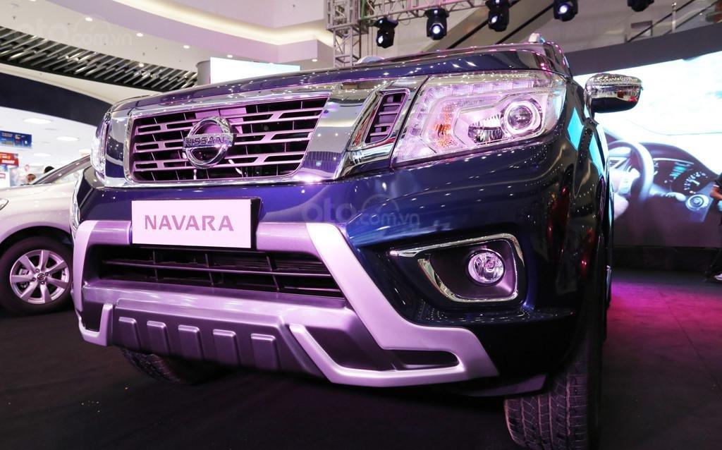 Bán xe Nissan Navara VL sản xuất năm 2019, màu xanh lam, nhập khẩu Thái-5