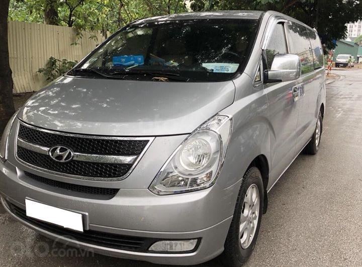 Bán gấp Hyundai Starex 2014 9 chỗ máy dầu. Xe nhà sử dụng (1)