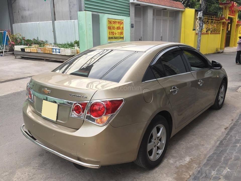 Bán Chevrolet Cruze năm 2010, màu nâu còn mới (5)