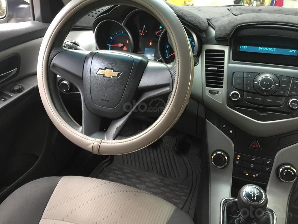 Bán Chevrolet Cruze năm 2010, màu nâu còn mới (9)