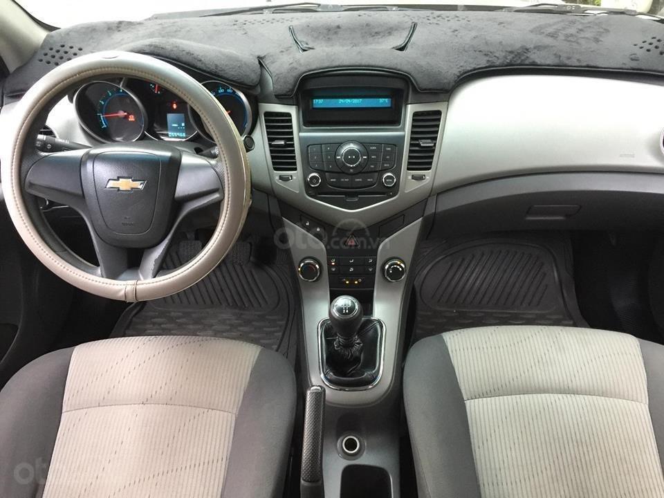 Bán Chevrolet Cruze năm 2010, màu nâu còn mới (11)