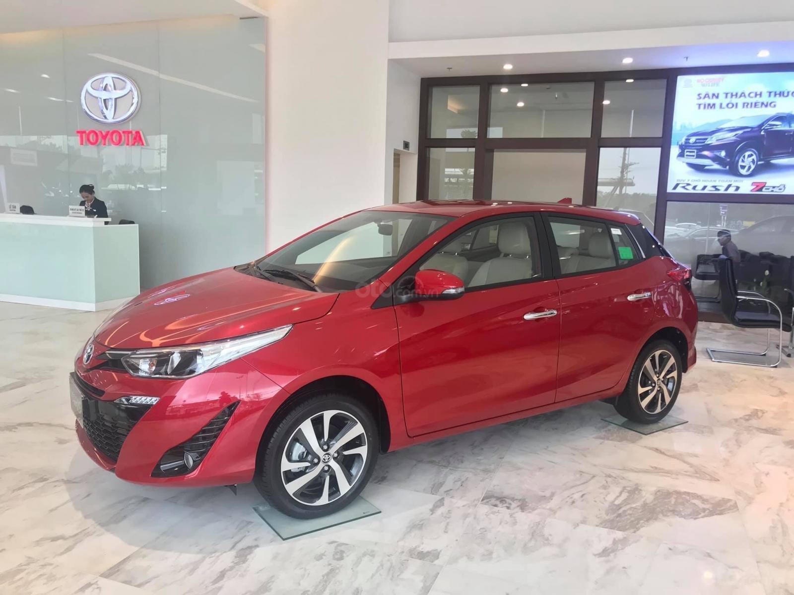 Đại lý Toyota Thái Hòa, bán Toyota Yaris, màu đỏ, nhập khẩu, giá tốt, LH: 0975 882 169-0