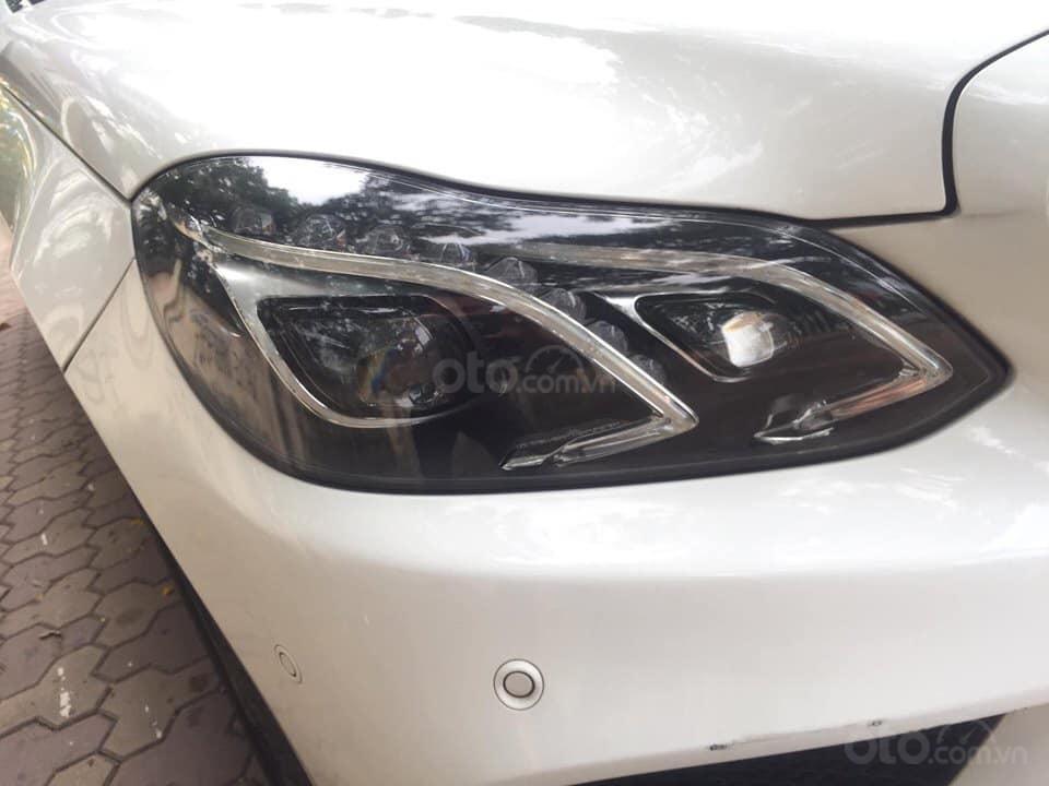 Mercedes-Benz E400 AMG sản xuất 2014 mầu trắng Ngọc Trinh đã xuất hiện Full option (3)