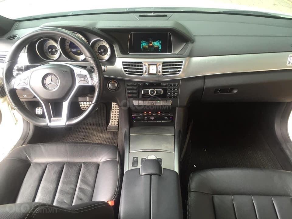 Mercedes-Benz E400 AMG sản xuất 2014 mầu trắng Ngọc Trinh đã xuất hiện Full option (9)