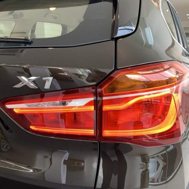 Bán BMW X1 sDrive18i năm sản xuất 2018, màu nâu, xe nhập (2)