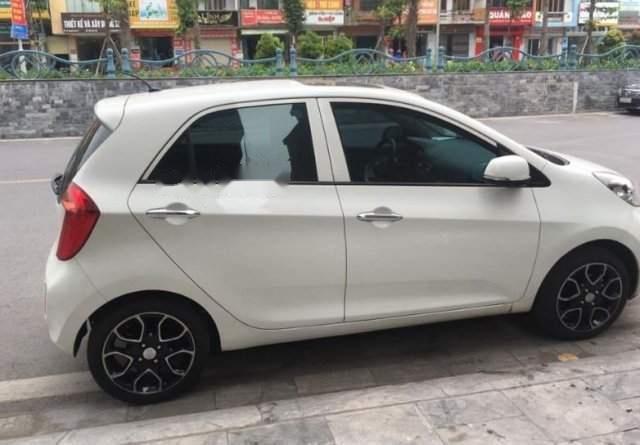 Cần bán gấp Kia Morning năm sản xuất 2013, màu trắng, xe chạy hơn 4 vạn (4)