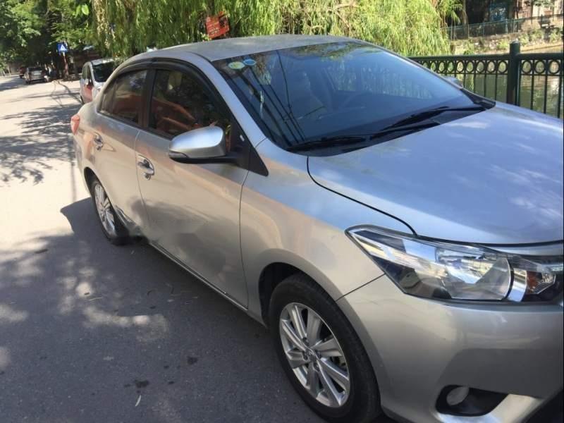 Chính chủ bán xe Toyota Vios năm sản xuất 2016, màu bạc (1)