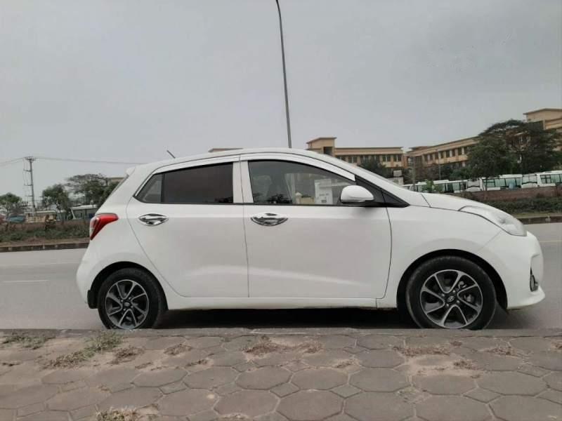 Bán Hyundai Grand i10 năm 2017, màu trắng, chính chủ (3)