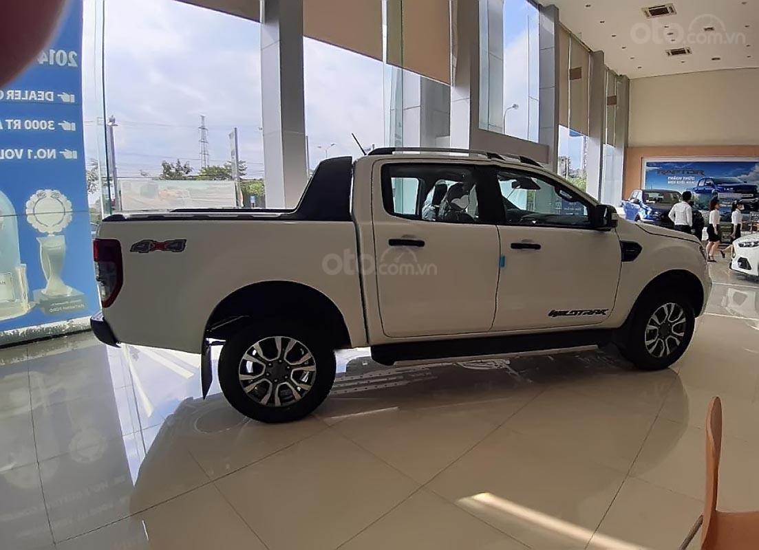 Bán Ford Ranger Wildtrak 2.0 4x4 đời 2019, màu trắng, xe nhập  (2)