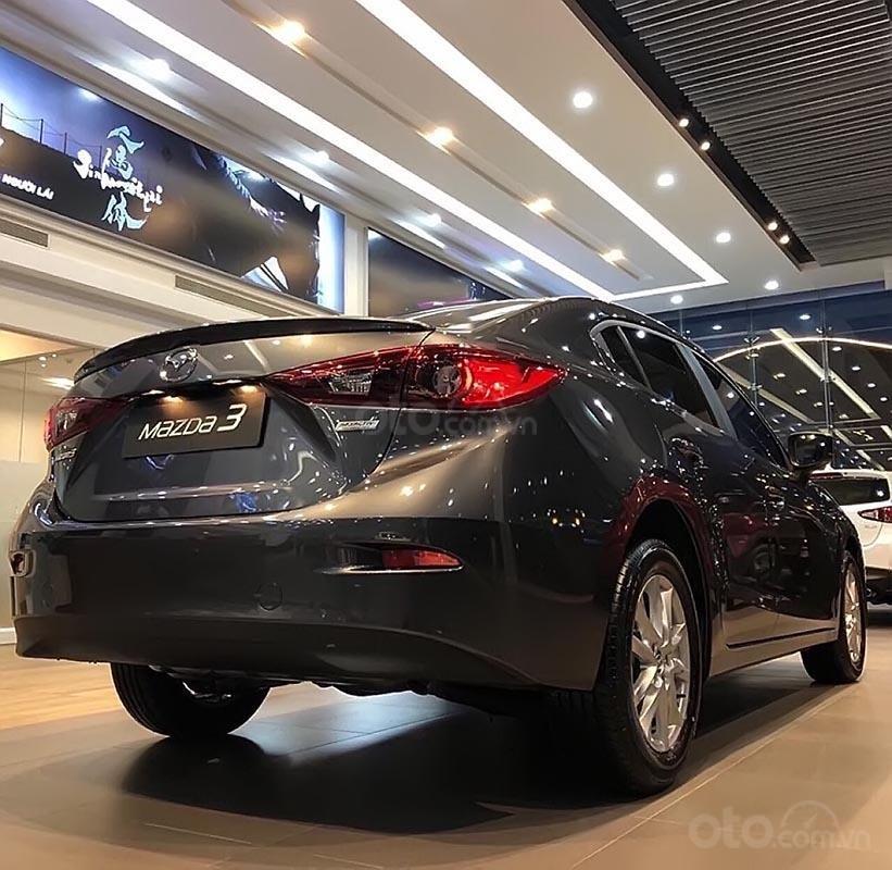 Bán Mazda 3 1.5AT sản xuất năm 2018, màu xám (2)
