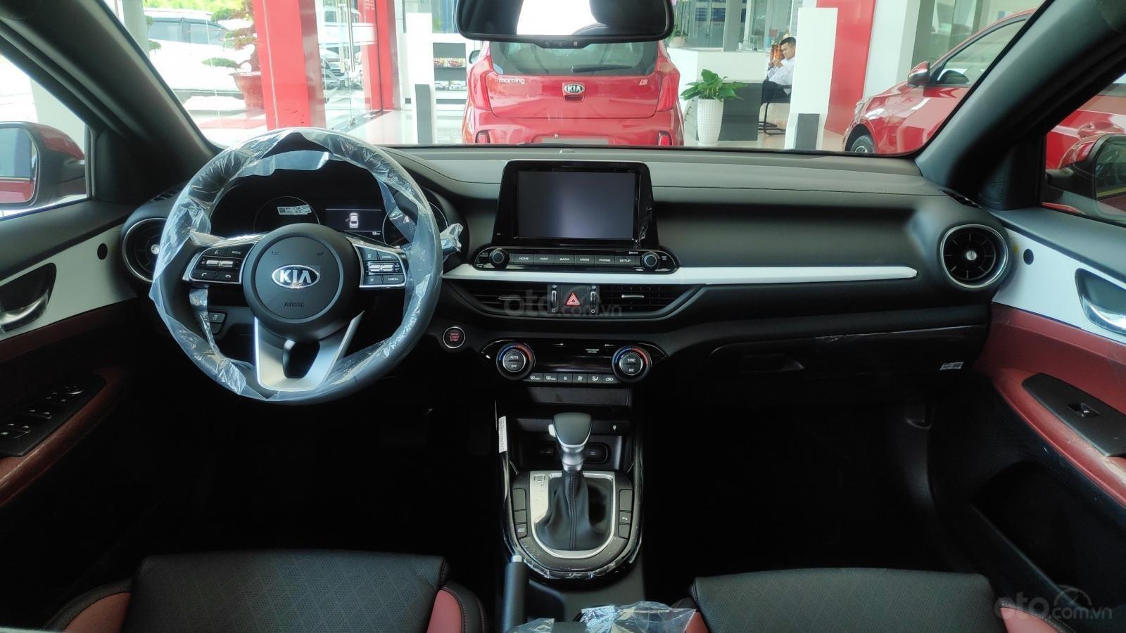 Kia Cerato Premium đặc biệt - giảm giá tiền mặt + tặng bảo hiểm xe + phụ kiện - liên hệ PKD Kia Thảo Điền 0961.563.593 (8)