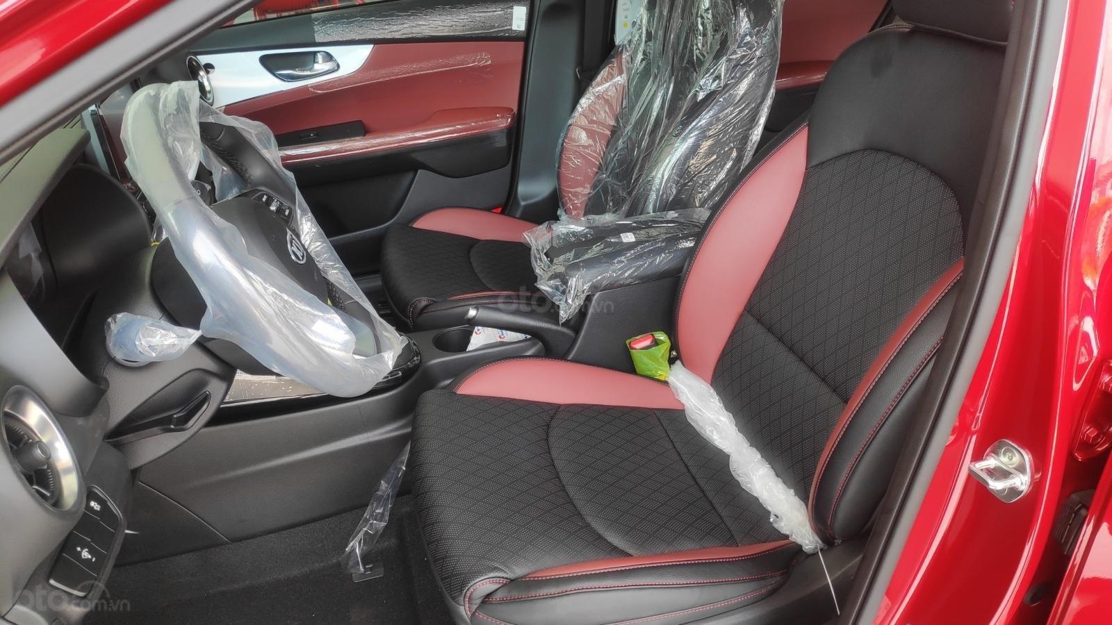 Kia Cerato Premium đặc biệt - giảm giá tiền mặt + tặng bảo hiểm xe + phụ kiện - liên hệ PKD Kia Thảo Điền 0961.563.593 (10)