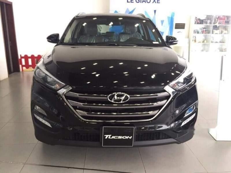 Cần bán Hyundai Tucson sản xuất 2018, màu đen-0
