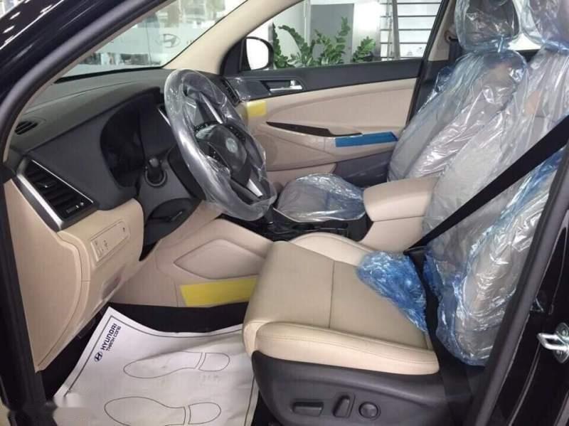 Cần bán Hyundai Tucson sản xuất 2018, màu đen-4