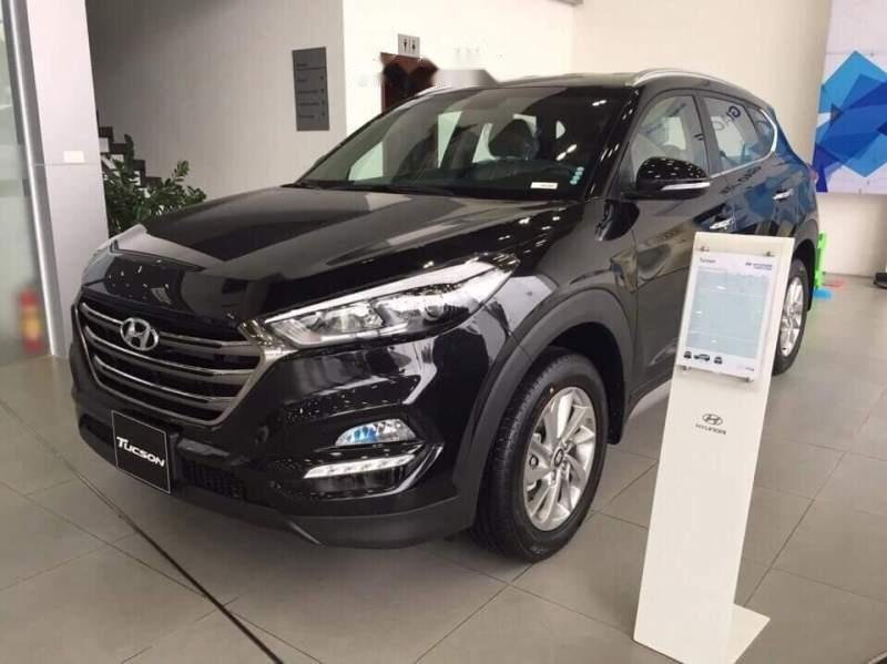 Cần bán Hyundai Tucson sản xuất 2018, màu đen-1