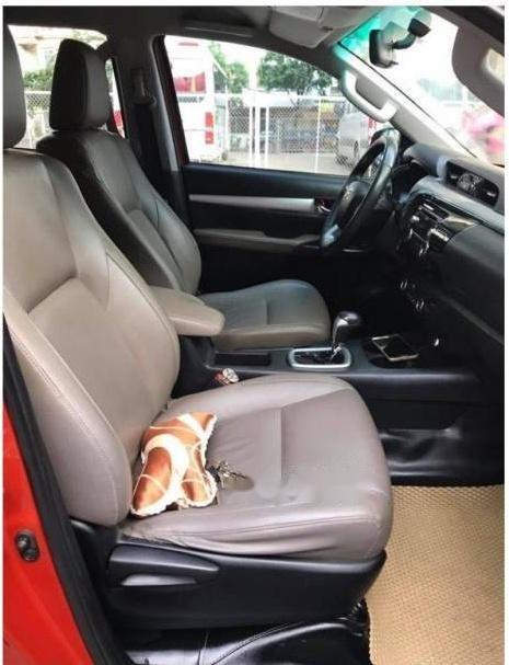 Bán xe Toyota Hilux G sản xuất 2016 chính chủ, giá chỉ 698 triệu (2)