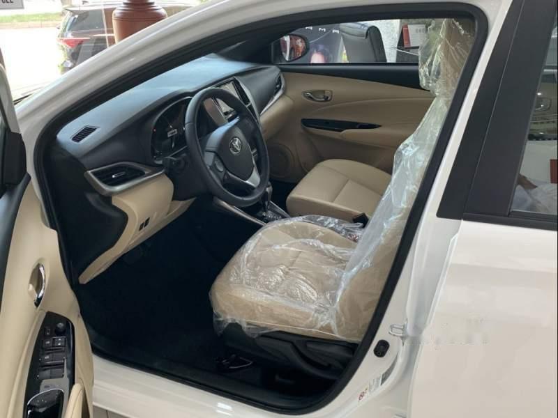 Bán xe Toyota Yaris sản xuất năm 2019, màu trắng, nhập khẩu nguyên chiếc -3