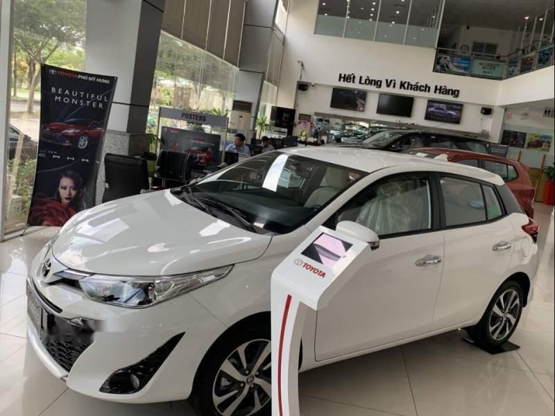 Bán xe Toyota Yaris sản xuất năm 2019, màu trắng, nhập khẩu nguyên chiếc -1
