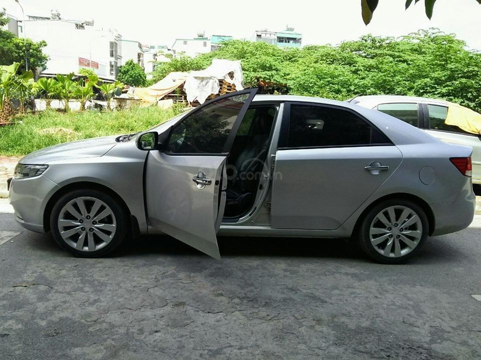 Bán Kia Forte đời 2012, màu bạc giá cực rẻ-3