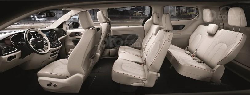 Không gian ghế ngồi trên Chrysler Pacifica 2019.