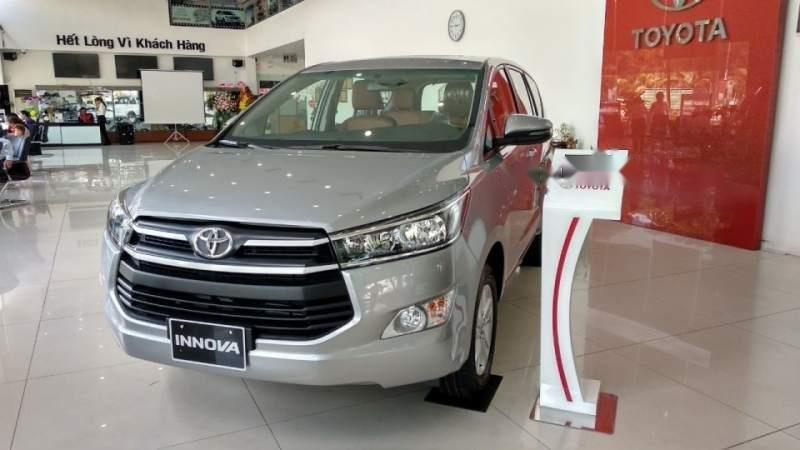 Bán Toyota Innova đời 2019, màu bạc, 731 triệu (1)