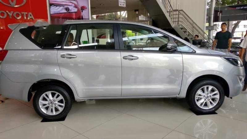 Bán Toyota Innova đời 2019, màu bạc, 731 triệu (6)