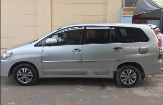 Bán xe Toyota Innova 2.0 E 2016, số sàn  -2