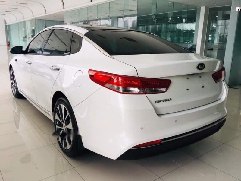 Cần bán Kia Optima AT sản xuất năm 2017, xe chính chủ sử dụng còn mới, giá ưu đãi (5)