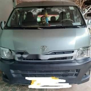 Gia đình bán xe Toyota Hiace đời 2011, màu xanh ngọc (2)