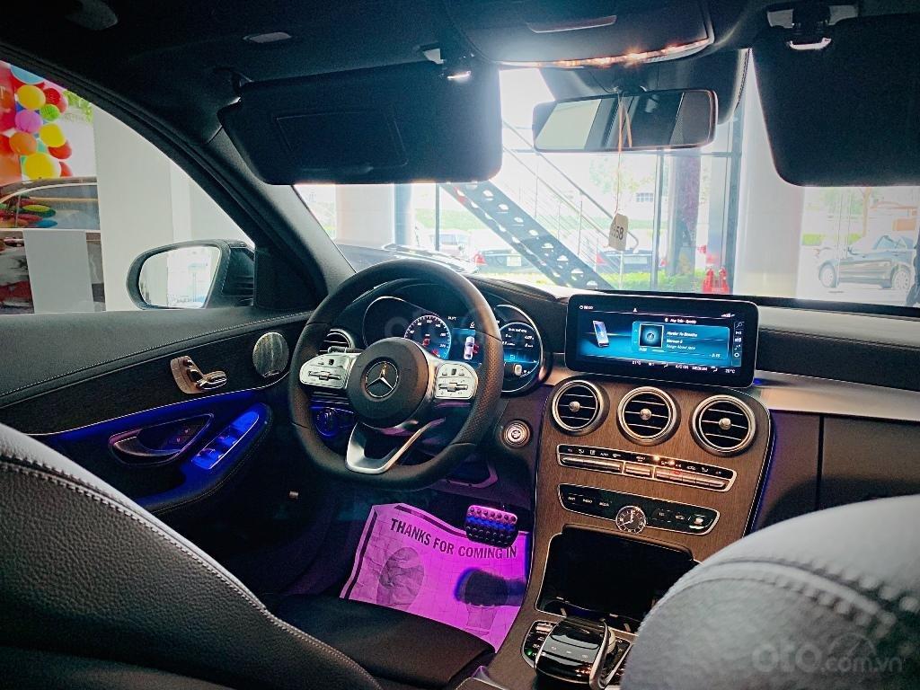 Cần bán Mercedes đời 2019, màu đỏ (4)