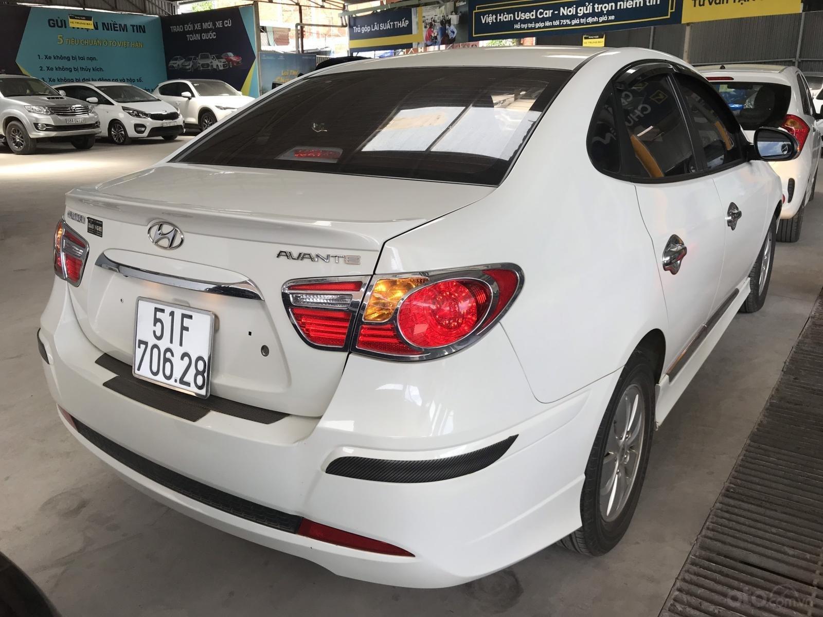 Bán Hyundai Avante 1.6MT màu trắng, số sàn, sản xuất 2016, biển Sài Gòn 1 chủ-5