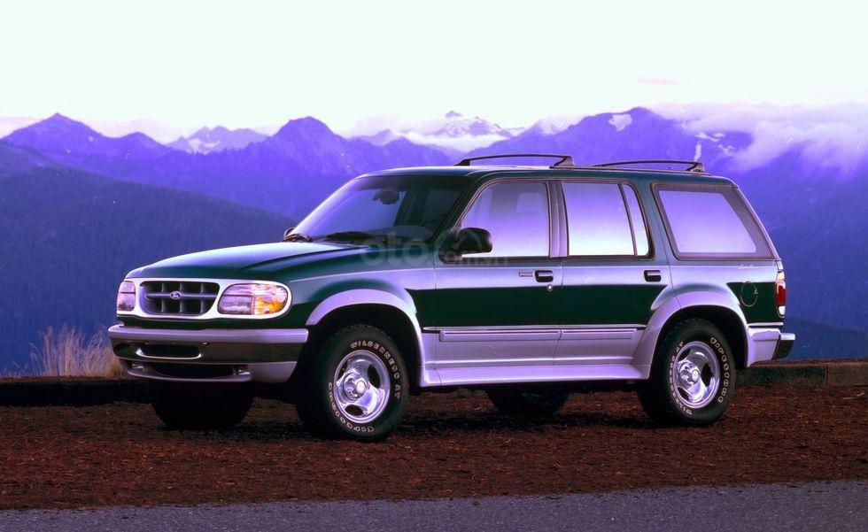 Ford Explorer và sự cố lốp xe Firestone