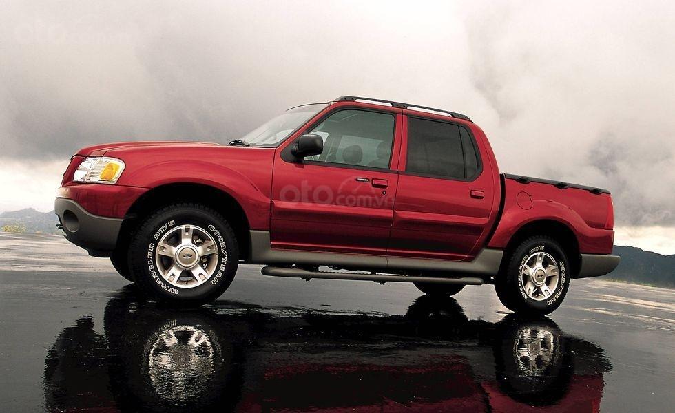 Xe bán tải Ford Explorer
