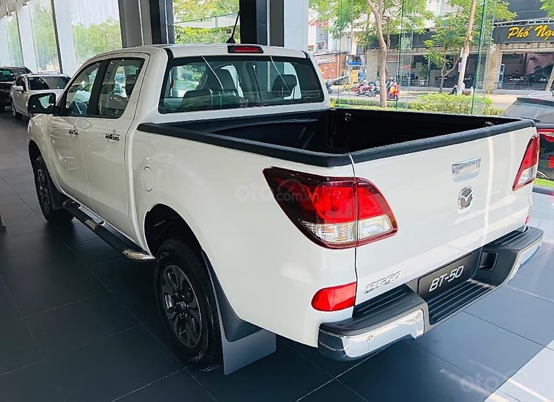 Cần bán xe Mazda BT 50 sản xuất 2019, màu trắng, giá 625tr-1