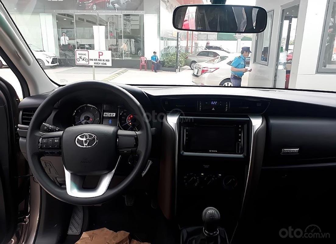 Bán Toyota Fortuner năm sản xuất 2019 giá tốt (3)