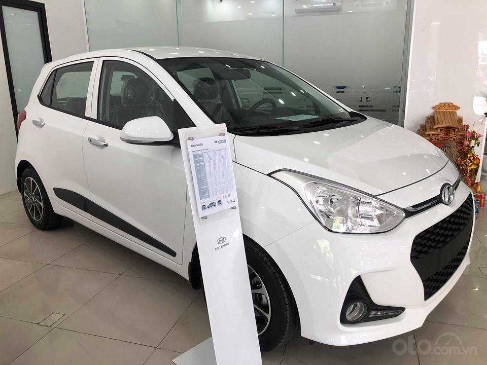 Bán Hyundai Grand i10 AT 1.2 trắng, đủ các màu, tặng 10 triệu - nhiều ưu đãi - LH: 0964898932 (1)