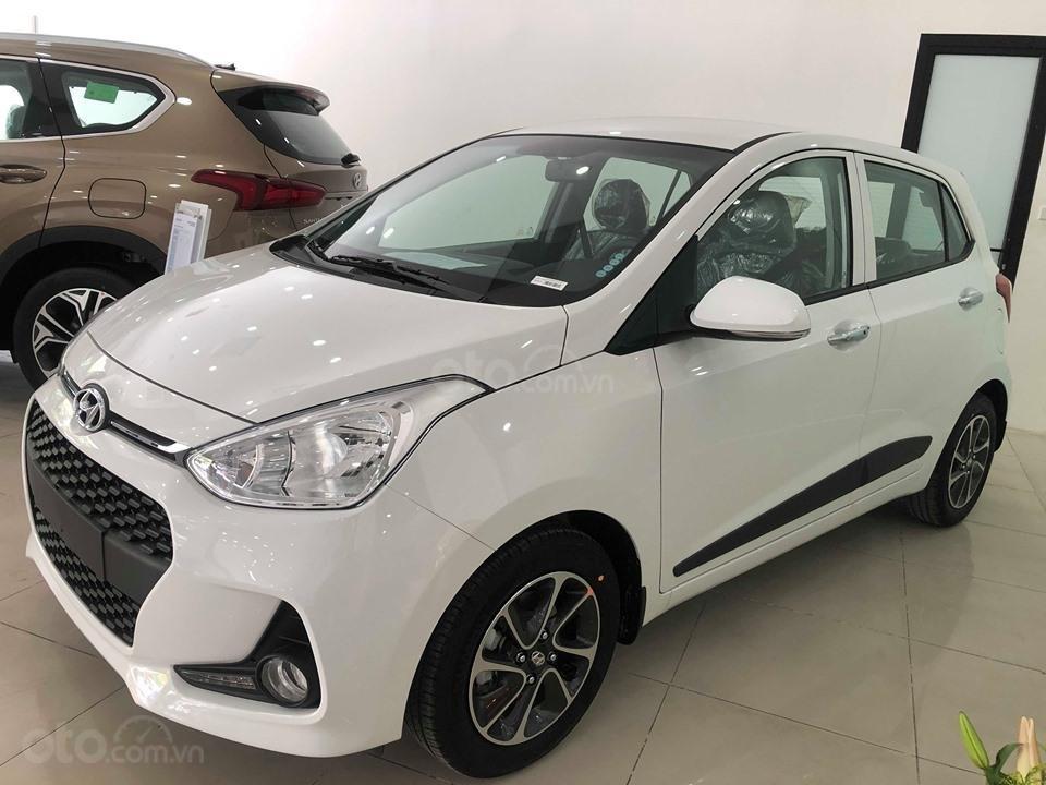 Bán Hyundai Grand i10 AT 1.2 trắng, đủ các màu, tặng 10 triệu - nhiều ưu đãi - LH: 0964898932 (2)