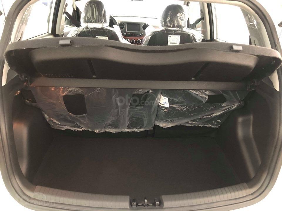 Bán Hyundai Grand i10 AT 1.2 trắng, đủ các màu, tặng 10 triệu - nhiều ưu đãi - LH: 0964898932 (5)