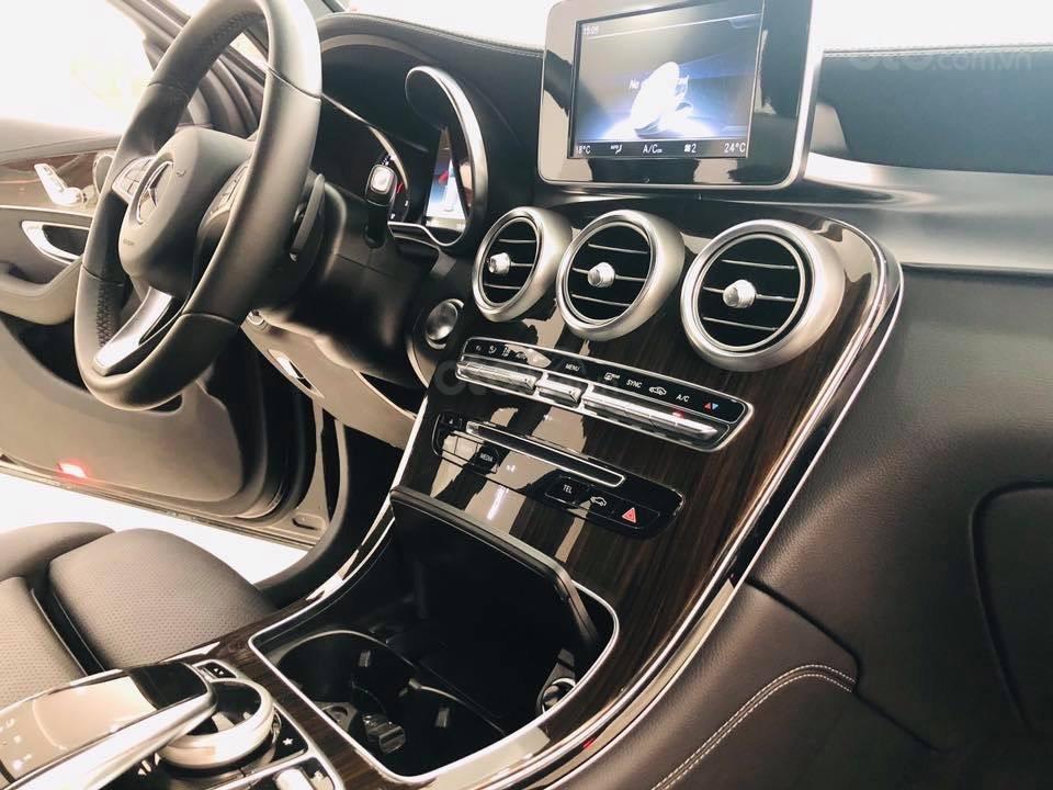 Giá xe Mercedes GLC200 2019 khuyến mãi, thông số, giá lăn bánh (11/2019) giảm giá tiền mặt, ưu đãi bảo hiểm và phụ kiện (7)